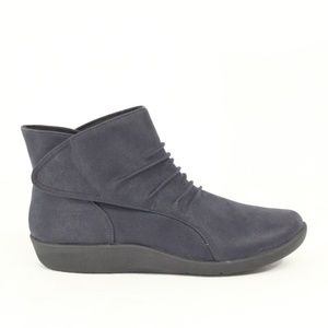Clarks Cloudsteppers women Boots NEW Ankle Bootie